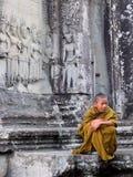 Giovane monaco con l'espressione pensierosa Immagine Stock Libera da Diritti
