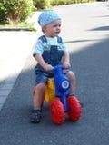 Giovane motorbiker Fotografie Stock Libere da Diritti