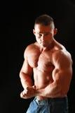 Giovane muscolare in buona salute immagine stock libera da diritti