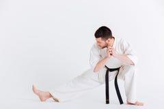 Giovane nell'allungamento del kimono Fotografia Stock Libera da Diritti