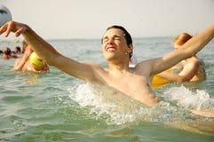 Giovane nuoto del ragazzo Fotografia Stock