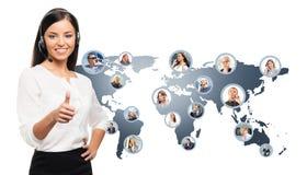 Giovane, operatore sicuro e bello del servizio clienti Immagine Stock