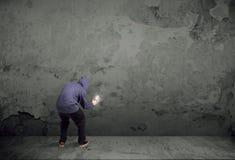 Giovane pittore urbano che inizia a disegnare Fotografie Stock