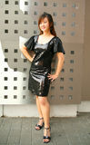 Giovane posizione asiatica della ragazza di modo esterna Fotografia Stock