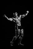 Giovane posizione del bodybuilder Fotografia Stock Libera da Diritti