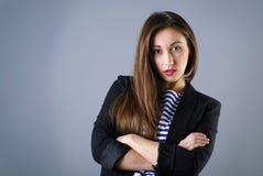 Giovane posizione della ragazza di modo Fotografia Stock