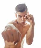 Giovane pugilato nudo bello dell'uomo del torso sul fondo bianco isolato, concetto della gente di sport di stile di vita Fotografie Stock