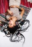 Giovane ragazza attraente del mulatto che posa nello studio Fotografie Stock Libere da Diritti