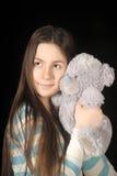 Giovane ragazza castana con l'orsacchiotto Fotografia Stock Libera da Diritti
