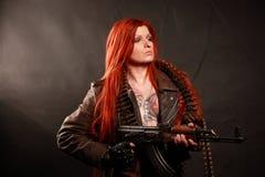 Giovane ragazza dei militari della testarossa Fotografie Stock Libere da Diritti