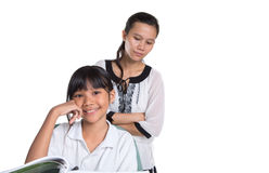 Giovane ragazza della scuola che studia con l'insegnante VI Fotografia Stock Libera da Diritti