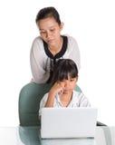 Giovane ragazza della scuola con l'insegnante VI Immagine Stock Libera da Diritti