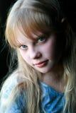 Giovane ragazza timida del ritratto Fotografia Stock