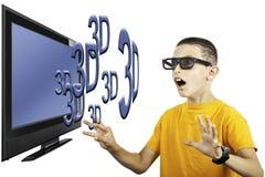 Giovane ragazzo che guarda televisione 3D Fotografie Stock Libere da Diritti