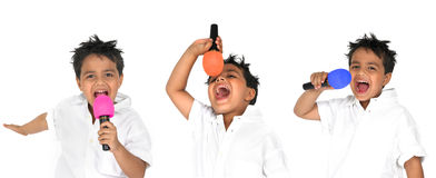 Giovane ragazzo con il microfono Immagini Stock Libere da Diritti