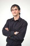 Giovane ragazzo con la camicia nera Fotografie Stock Libere da Diritti