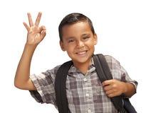 Giovane ragazzo ispanico felice pronto per il banco su bianco Fotografia Stock Libera da Diritti