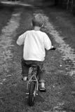Giovane ragazzo sulla bici Fotografia Stock Libera da Diritti