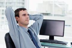 Giovane rilassamento del responsabile Immagini Stock