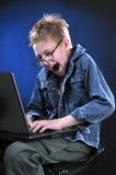 Giovane riprogrammatore pazzo Immagine Stock