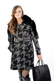 Giovane signora in cappotto Fotografia Stock