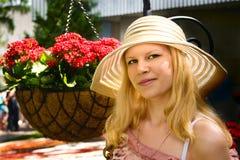 Giovane signora in cofano #1 Immagini Stock