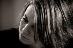 Giovane signora nel thoiught Fotografie Stock Libere da Diritti