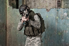Giovane soldato sulla pattuglia Fotografie Stock
