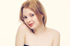 Giovane sorridere felice del bello della donna ritratto del fronte Fotografie Stock Libere da Diritti