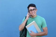 Giovane studente che chiama dal telefono Immagini Stock Libere da Diritti