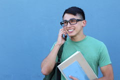 Giovane studente che chiama dal telefono Fotografia Stock Libera da Diritti