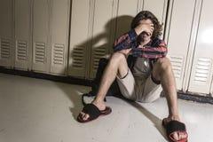 Giovane studente teenager all'istituto universitario Immagine Stock Libera da Diritti