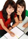 Giovane studio asiatico dell'allievo due Fotografia Stock Libera da Diritti