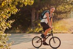 Giovane sulla bici Fotografia Stock