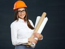 Giovane sviluppatore della donna di affari con il modello Immagine Stock Libera da Diritti
