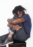 Giovane uomo afroamericano bello, sguardo arrabbiato, erbaccia Fotografia Stock Libera da Diritti