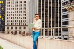 Giovane uomo americano che lavora a New York Fotografia Stock