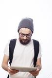 Giovane uomo barbuto felice Fotografie Stock Libere da Diritti
