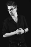 Giovane uomo d'affari nel black&white di vetro Fotografia Stock Libera da Diritti