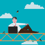 Giovane uomo d'affari scalato ad un'altitudine illustrazione vettoriale