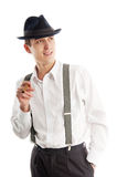Giovane uomo del gangster con cigare su priorità bassa bianca immagine stock libera da diritti