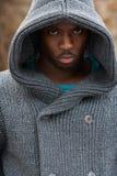 Ritratto di giovane uomo di colore lunatico Immagini Stock