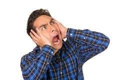 Giovane uomo disperato bello che porta un plaid blu Fotografie Stock Libere da Diritti