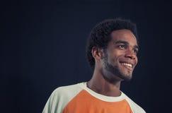 Giovane uomo ispanico africano isolato fotografia stock libera da diritti