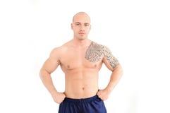 Giovane uomo muscolare Fotografie Stock Libere da Diritti