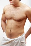 Giovane uomo muscolare senza camicia Fotografie Stock Libere da Diritti