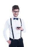 Giovane uomo sorridente felice con vino rosso, isolato su bianco Immagini Stock Libere da Diritti