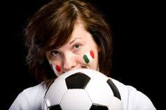 Giovane ventilatore italiano femminile della squadra di calcio isolato Immagine Stock