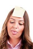 Giovane woma con la nota appiccicosa gialla Fotografie Stock