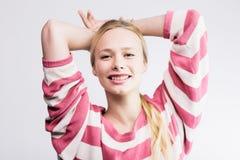 Giovani abbastanza biondi Fotografie Stock